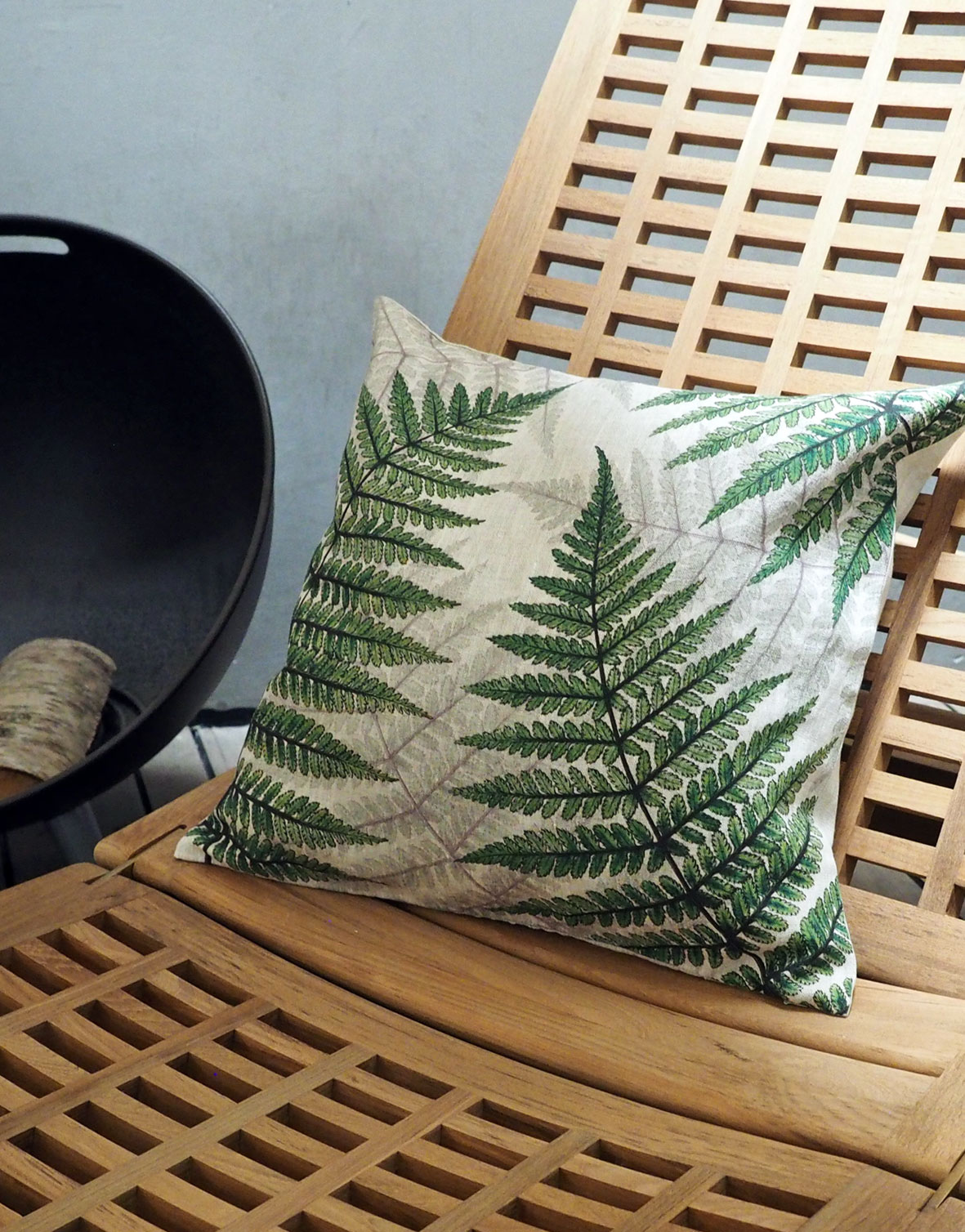 Botanical linen cushion cover Green Fern from Linoroom