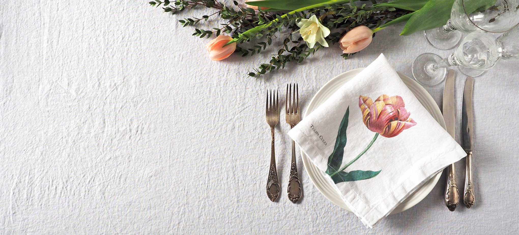 Custom wedding linen napkins from Linoroom
